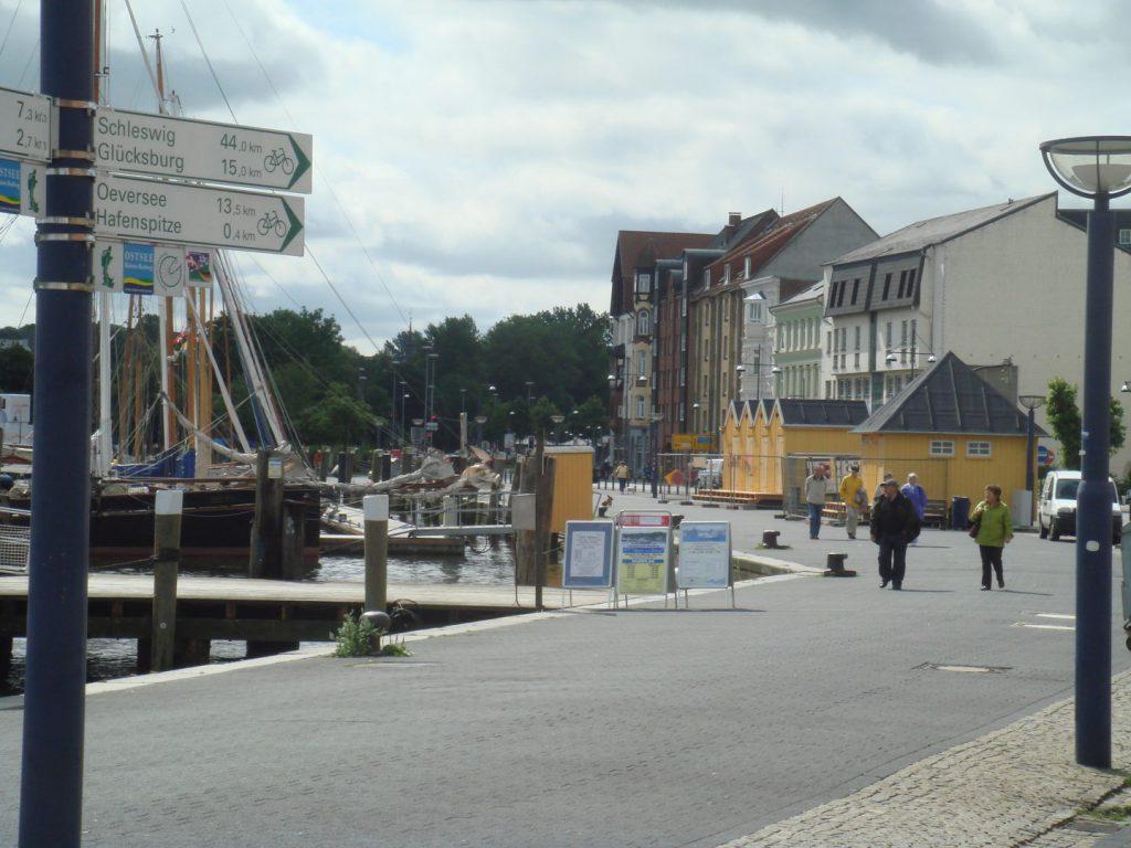Blick auf die Hafenhütten Flensburg